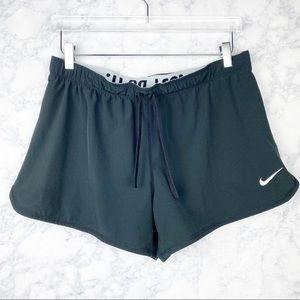 💕 NIKE dry fit run shorts, lined black drawstring